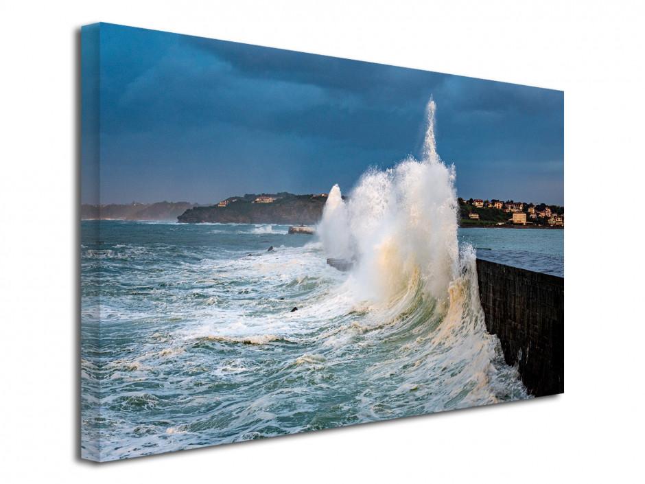 Tableau toile Grosse vague dans le Pays Basque