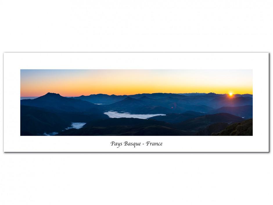 Tableau aluminium levé de soleil sur les montagnes du Pays Basque