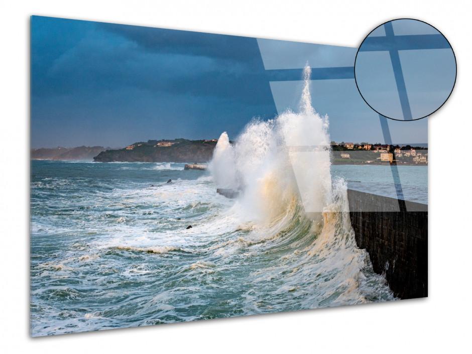 Tableau plexiglas Grosse vague dans le Pays Basque