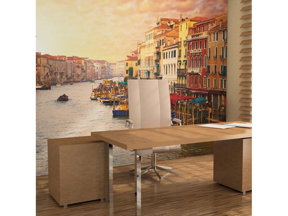 Papier peint  Venise  la ville pleine de couleurs sur leau