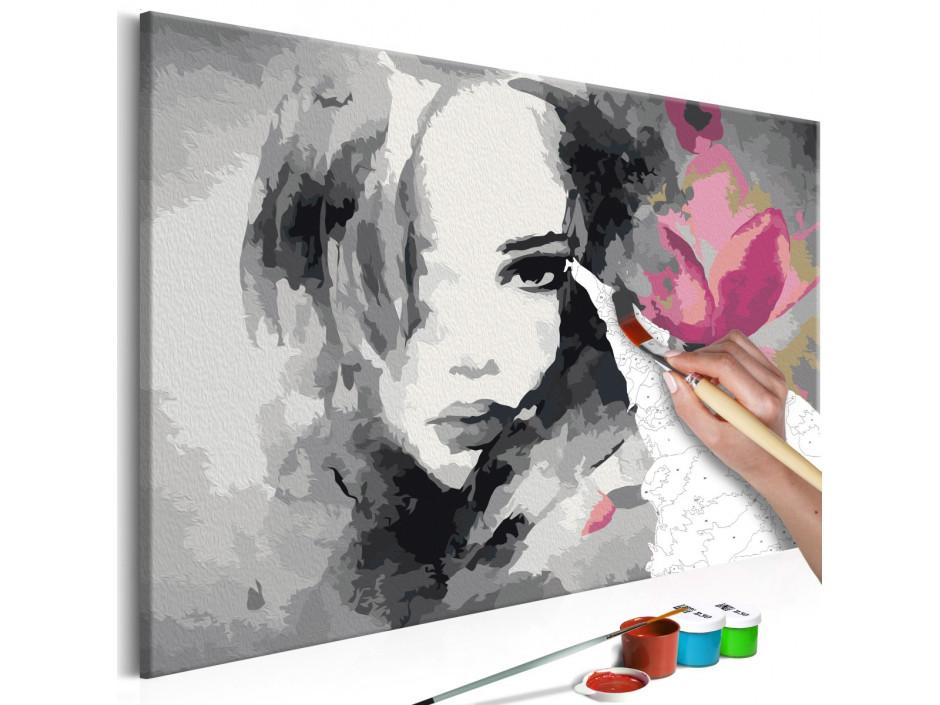 Tableau à peindre par soi-même - Portrait en noir et blanc avec une fleur rose